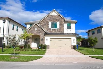 Pembroke Pines Single Family Home For Sale: 1111 SW 113th Way