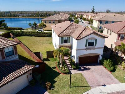 Doral Single Family Home For Sale: 8750 NW 115th Ct