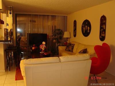 Sunny Isles Beach Condo For Sale: 16909 N Bay Rd #718