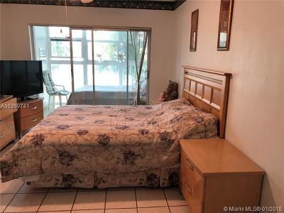 Lauderdale By The Sea Condo For Sale: 1481 S Ocean Blvd #208E