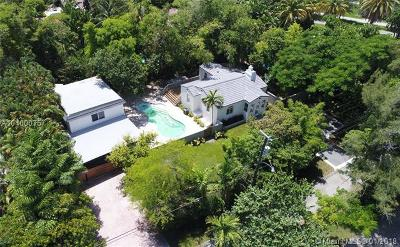 Biscayne Park Single Family Home For Sale: 430 NE 121st St