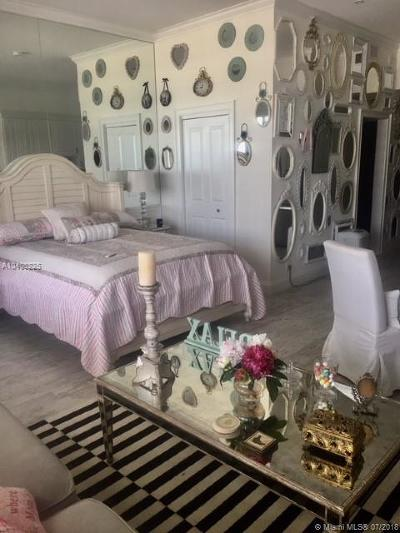 Miami Beach Condo For Sale: 100 Lincoln Rd #1624