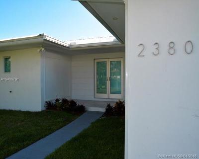 North Miami Single Family Home For Sale: 2380 Magnolia Dr