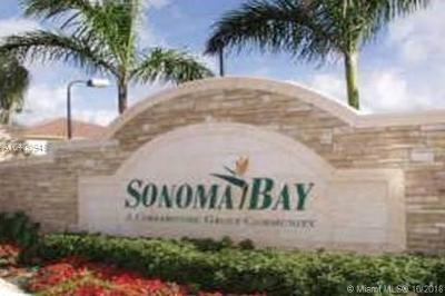 Riviera Beach Condo For Sale: 3727 Oleander Ter #3727