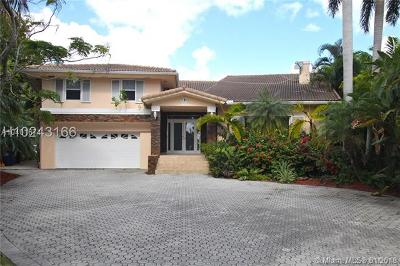 Golden Beach Single Family Home For Sale: 451 Centre Island Dr