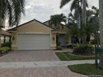 Weston Single Family Home For Sale: 2000 Harbor View Cir