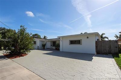 Miami Single Family Home For Sale: 2320 NE 194th St