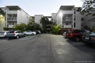 Pinecrest Condo For Sale: 6904 N Kendall Dr #F402
