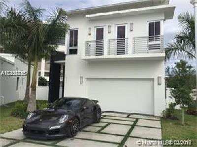 Doral Single Family Home For Sale: 8221 NW 34th Dr
