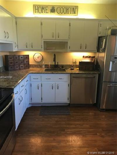 Plantation Condo For Sale: 6731 Cypress Rd #210