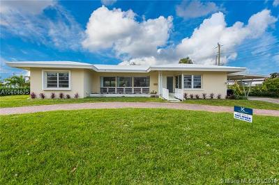 Lauderdale By The Sea Single Family Home For Sale: 251 S Tradewinds Ave