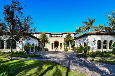 Coral Gables Single Family Home For Sale: 23 Tahiti Beach Island Rd