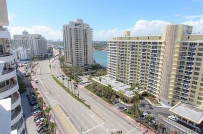Miami Beach Condo For Sale: 5601 Collins Ave #1715