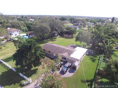 Davie Single Family Home For Sale: 13980 SW 36th Ct