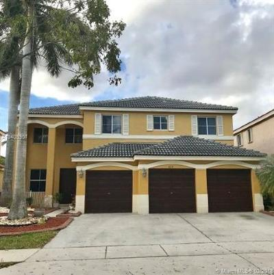 Weston Single Family Home For Sale: 825 Sunflower Cir