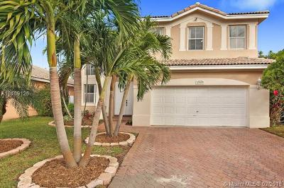 Miramar Single Family Home For Sale: 12939 SW 27th St