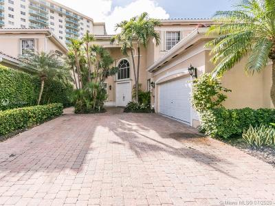 Sunny Isles Beach Single Family Home For Sale: 3950 194th Ln