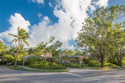 Coconut Grove Single Family Home For Sale: 70 Bay Heights Dr
