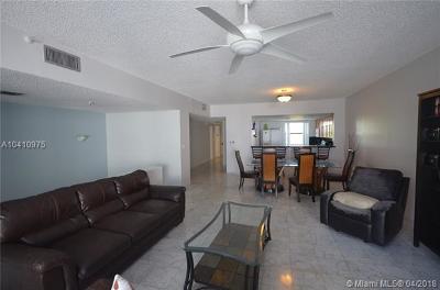 Sunny Isles Beach Condo For Sale: 424 Poinciana Dr #1721