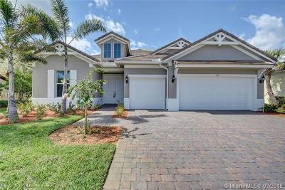 Jupiter Single Family Home For Sale: 114 Shores Pointe Dr