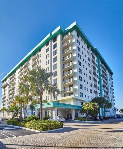 Bay Harbor Islands Condo For Sale: 10350 W Bay Harbor Dr #5M