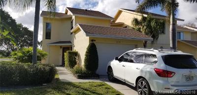 West Palm Beach Condo For Sale: 1515 Woodbridge Lakes Cir #1515
