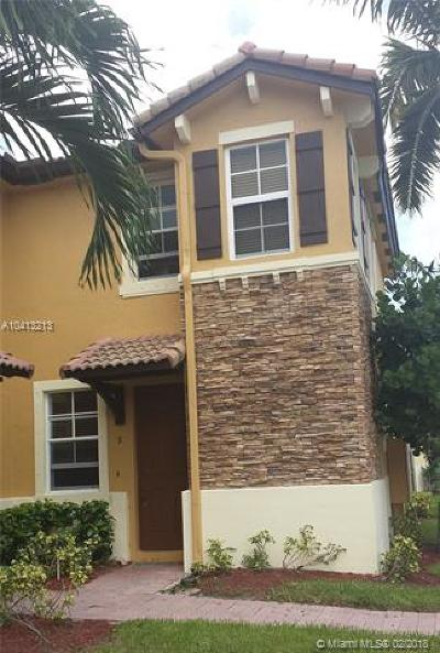 Cutler Bay Condo For Sale: 9267 SW 227th St #9-8
