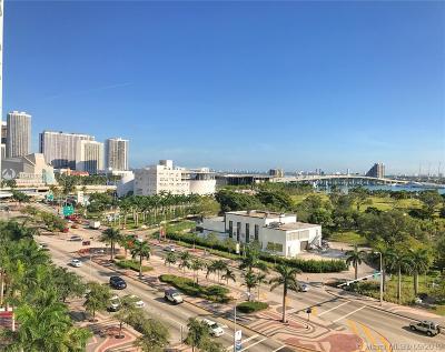 Marina Blue, Marina Blue Condo, Marina Blue Condominium, Marinablue, Marinablue Condo Condo For Sale: 888 Biscayne Blvd #612
