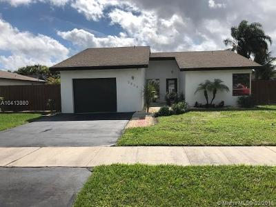 Deerfield Beach Single Family Home For Sale: 3834 NW 1st Dr