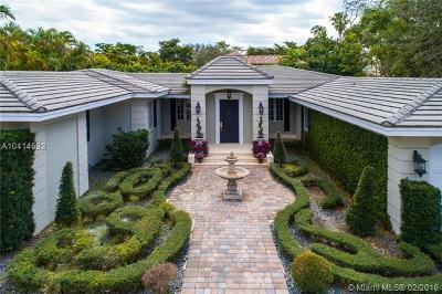 Coral Gables Single Family Home For Sale: 1220 S Greenway Dr