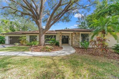 Palmetto Bay Single Family Home For Sale: 15801 SW 86 Ave