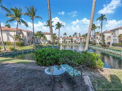 Aventura Single Family Home For Sale: 3235 NE 207th Ter