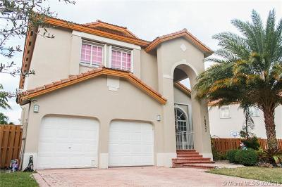 Doral Single Family Home For Sale: 10933 NW 59 St