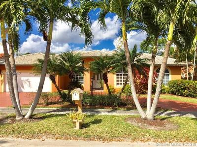 Miami Lakes Single Family Home For Sale: 8533 NW 164th St