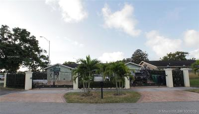 Miami Single Family Home For Sale: 13200 SW 44th St