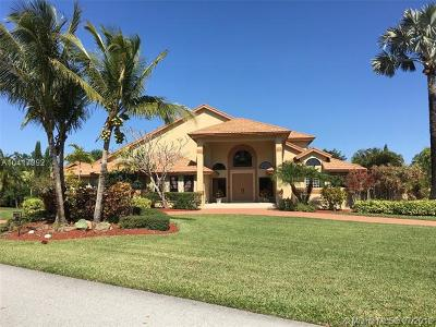 Davie Single Family Home For Sale: 11871 Acorn Dr