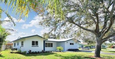 Fort Lauderdale Single Family Home For Sale: 1718 NE 58th St