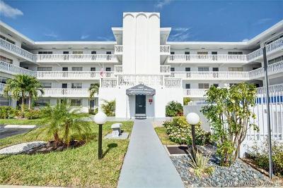 North Miami Condo For Sale: 11685 S Canal Dr #106