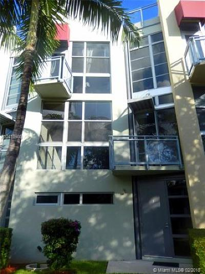 Fort Lauderdale Condo For Sale: 721 SE 12th Ct #3