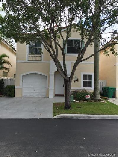 Cooper City Single Family Home For Sale: 3910 Tree Tops Rd