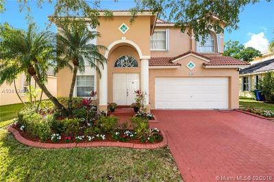 Pembroke Pines Single Family Home For Sale: 1130 NW 184th Pl