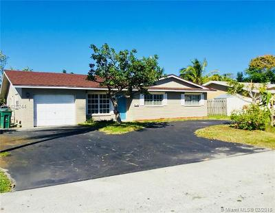 Fort Lauderdale Single Family Home For Sale: 3131 NW 67th Ct