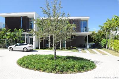 Key Biscayne Single Family Home For Sale: 105 Reef Ln