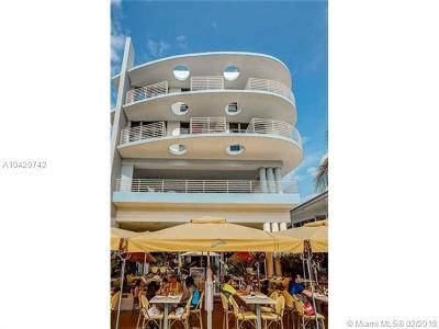 Miami Beach Condo For Sale: 1052 Ocean Dr #301