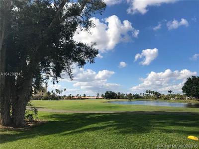 Weston Condo For Sale: 16175 Golf Club Rd #105
