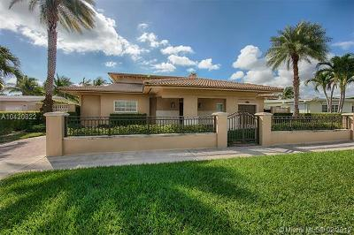 North Miami Single Family Home For Sale: 1920 S Hibiscus Dr