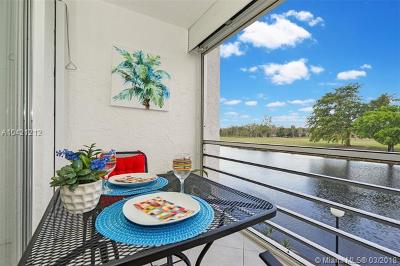 Lauderhill Condo For Sale: 3551 Inverrary Dr #211