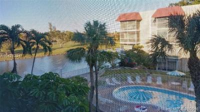 Lauderhill Condo For Sale: 3776 Inverrary Blvd #303R