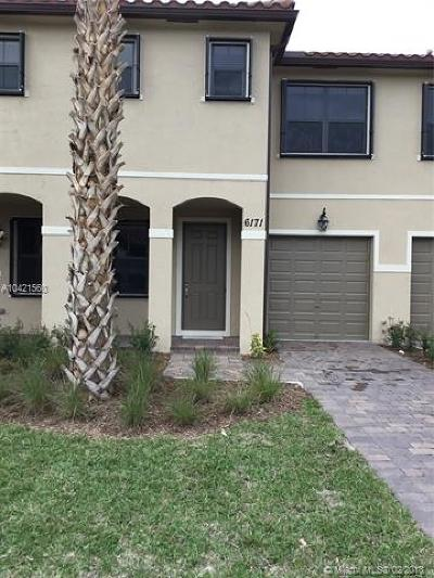Palm Beach County Condo For Sale: 6171 Bangalow Dr