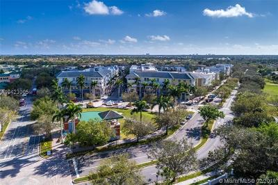 Palm Beach County Condo For Sale: 1200 Town Center Dr #207